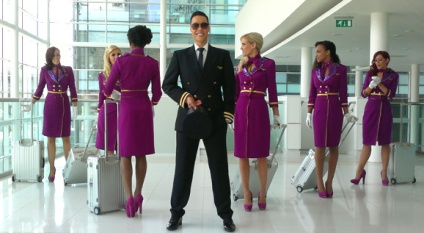 pic of Gok and air hostesses